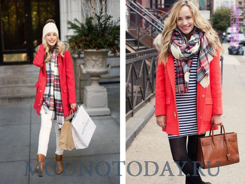 Красную парку носят с шарфами в полоску и громоздкими сумками